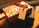 happy christmas everybody! by allerleirau https://flickr.com/photos/allerleirau/3131341442 shared under a Creative Commons (BY-NC-SA) license