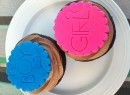 Gender Reveal party cupcakes by kristin_a (Meringue Bake Shop) https://flickr.com/photos/kristinausk/4896822030 shared under a Creative Commons (BY-SA) license