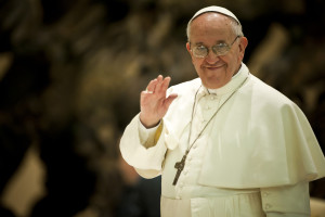 Pope Francis met with media by Catholic Church (England and Wales) https://flickr.com/photos/catholicism/8561266141 shared under a Creative Commons (BY-NC-SA) license